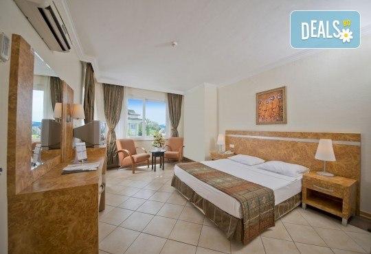 Супер цена за почивка в Анталия в период по избор! 7 нощувки на база Ultra All Inclusive в Aydinbey Gold Dreams 5*, самолетен билет, летищни такси и трансфери - Снимка 4