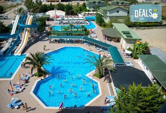 Супер цена за почивка в Анталия в период по избор! 7 нощувки на база Ultra All Inclusive в Aydinbey Gold Dreams 5*, самолетен билет, летищни такси и трансфери - Снимка 1