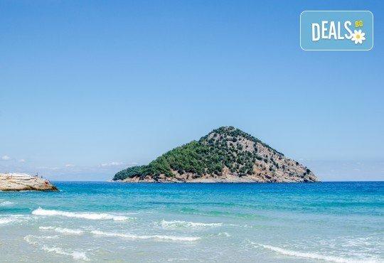 Мини почивка на изумрудения остров Тасос, Гърция, на дата по избор с България Травел! 3 нощувки със закуски и вечери в хотел 3*, транспорт, ферибот - Снимка 3