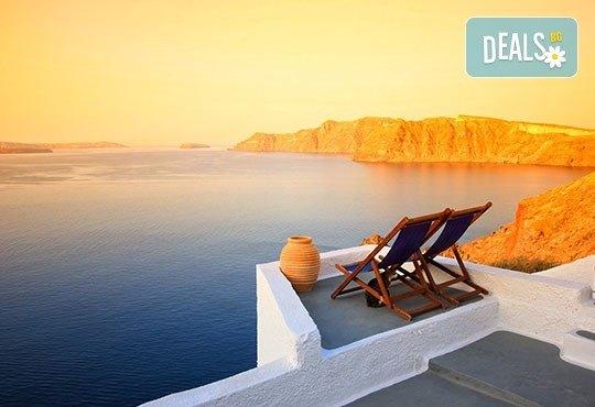 Лятна почивка на остров Санторини с България Травел! 6 нощувки със закуски в хотел 3*, транспорт и водач - Снимка 7