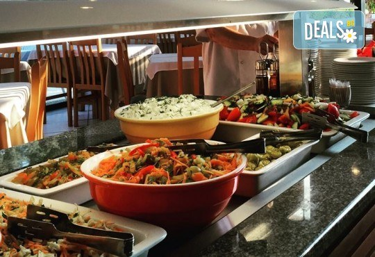 Лятна почивка в Гърция, 5 нощувки, закуски и вечери в Kassandra Мare Hotel 3*, Неа Потидеа, Халкидики, от Теско Груп! - Снимка 7