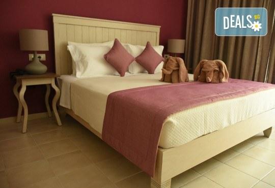 Лятна почивка в Гърция, 5 нощувки, закуски и вечери в Kassandra Мare Hotel 3*, Неа Потидеа, Халкидики, от Теско Груп! - Снимка 5