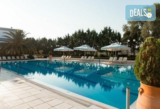 Лятна почивка в Гърция, 5 нощувки, закуски и вечери в Kassandra Мare Hotel 3*, Неа Потидеа, Халкидики, от Теско Груп! - Снимка 12