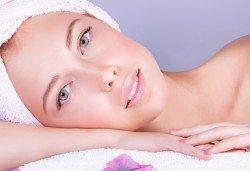 150-минутен Shells SPA Mix! Масаж с раковини на цяло тяло, лице, шия и деколте, козметична маска с перлен и златен прах, антицелулитен пилинг с нахут в център GreenHealth - Снимка