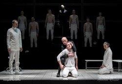 """Гледайте спектакъла на Стайко Мурджев """"Еквус"""" на 28.02. от 19.00 ч. в Младежки театър, билет за един! - Снимка"""