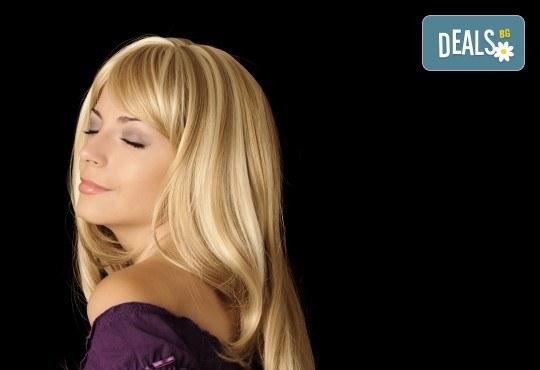 Кичури в стил омбре, терапия за защита на косата при обезцветяване и тониране в салон за красота Суетна! - Снимка 4