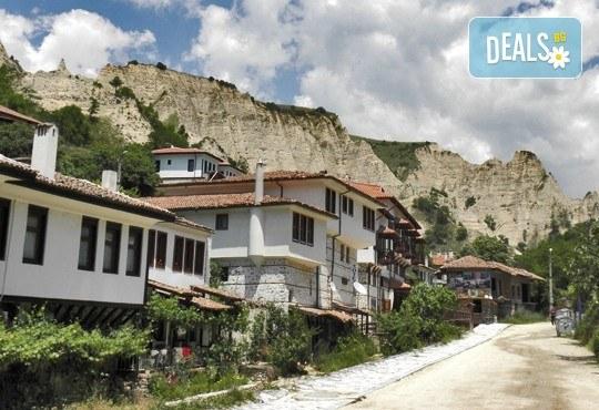 За 1 ден в Мелник за фестивала на виното Златен грозд - транспорт и екскурзовод от Глобул Турс! - Снимка 4