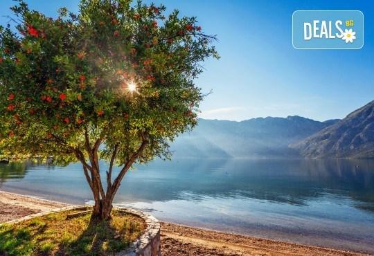 Изживейте една Адриатическа приказка с България Травел, през есента! 5 дни, 4 нощувки със закуски и вечери в хотел 3* на Черногорската ривиера, транспорт и водач - Снимка 1