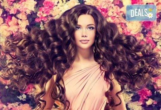 Дълга и гъста коса! Поставяне на собствени екстеншън с капси или поддръжка в салон за красота Суетна! - Снимка 2