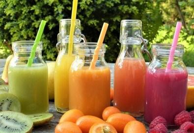 Фреш! 2 литра прясно приготвен здравословен фреш: портокал, ябълка, морков, микс или лимонада от My Fresh! - Снимка