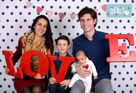 Подарете с любов! Фотосесия на тема Свети Валентин за влюбени, бебенца, деца и семейства от GALLIANO PHOTHOGRAPHY - Снимка 1