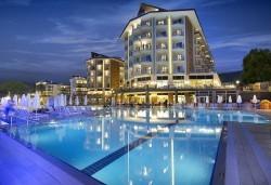 Майски празници в Кушадасъ, Турция! 5 нощувки на база All Inclusive в хотел Ramada Resort Kusadasi & Golf 5*, възможност за транспорт! - Снимка