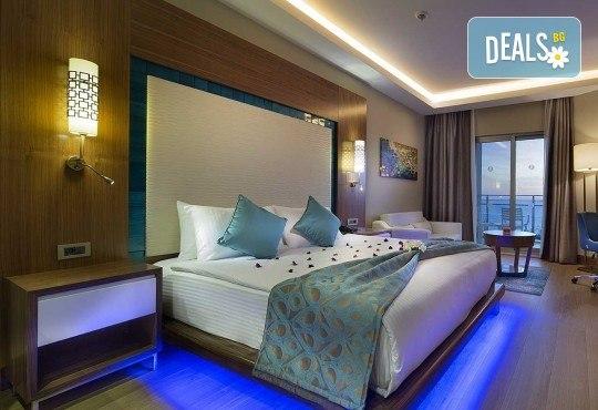 Майски празници в Кушадасъ, Турция! 5 нощувки на база All Inclusive в хотел Ramada Resort Kusadasi & Golf 5*, възможност за транспорт! - Снимка 2