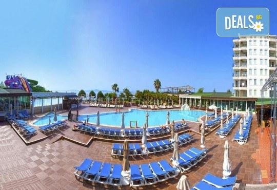 Майски празници в Дидим, Турция! 5 нощувки на база All Inclusive в хотел Didim Beach Resort Aqua & Elegance Thalasso 5*, възможност за транспорт! - Снимка 2