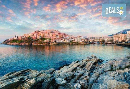 На разходка и плаж в Гърция - о. Тасос, Лименас и Кавала! Еднодневна екскурзия, транспорт и екскурзовод от Еко Тур! - Снимка 3