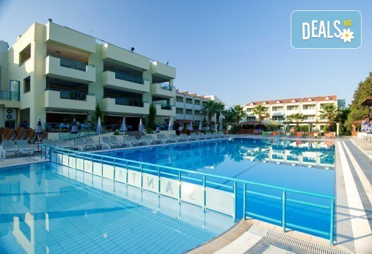Почивка през май или юни в La Santa Maria Hotel 4*, Кушадасъ - 5 или 7 нощувки на база All Inclusive, възможност за транспорт - Снимка 1