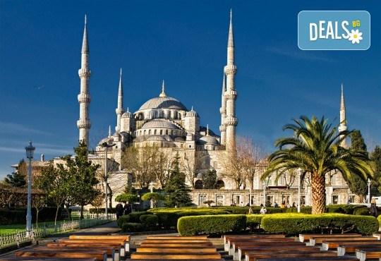 За 3-ти март в Истанбул с Дениз Травел! 2 нощувки със закуски в хотел 2/3*, транспорт, водач и бонус програми - Снимка 1