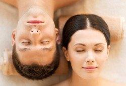 Вълшебна СПА терапия за двама! Ориенталски масаж на цяло тяло, глава и лице с уникалния афродизиак сандалово дърво и сладка ванилия, пилинг на гръб и СПА маска Wellness Center Ganesha! - Снимка