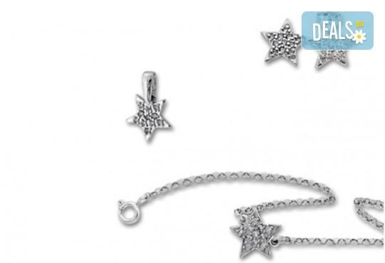 Комплект сребърна гривна, обеци и висулка с естествени бели цирконии Звезден миг от фирма Molvani! - Снимка 1