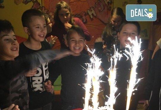 Незабравим празник за Вашето дете в бистро Папи! Детски кът с много игри, състезания и танци, вкусно хапване, торта и подарък за рожденника! - Снимка 5