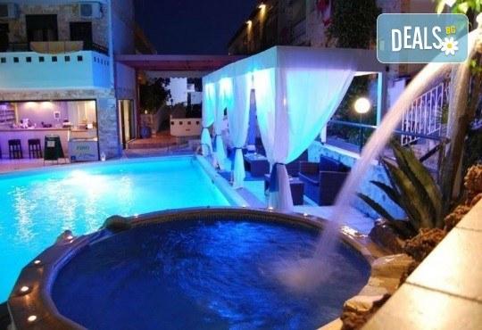 Септемврийски празници в Халкидики, Гърция! 2 нощувки със закуски и вечери в Philoxenia Spa Hotel 2*, транспорт и обиколка на Солун! - Снимка 3