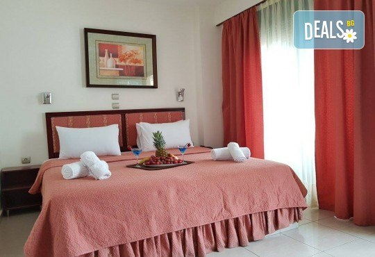 Септемврийски празници в Халкидики, Гърция! 2 нощувки със закуски и вечери в Philoxenia Spa Hotel 2*, транспорт и обиколка на Солун! - Снимка 5