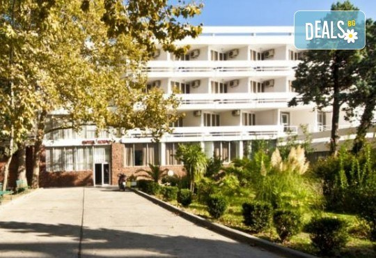 Лятна почивка в Черна гора! 6 нощувки на база All Inclusive Light в Korali Hotel 2*+ в Сутоморе, 1 нощувка със закуска и вечеря в Охрид, транспорт, посещение на Бар, Тирана и Шкодренското езеро - Снимка 4