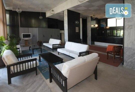 Лятна почивка в Черна гора! 6 нощувки на база All Inclusive Light в Korali Hotel 2*+ в Сутоморе, 1 нощувка със закуска и вечеря в Охрид, транспорт, посещение на Бар, Тирана и Шкодренското езеро - Снимка 8
