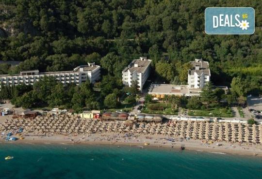 Лятна почивка в Черна гора! 6 нощувки на база All Inclusive Light в Korali Hotel 2*+ в Сутоморе, 1 нощувка със закуска и вечеря в Охрид, транспорт, посещение на Бар, Тирана и Шкодренското езеро - Снимка 2