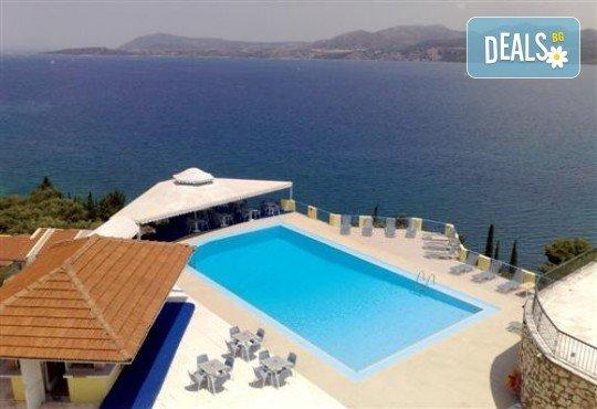 Почивка през лятото на остров Лефкада, Гърция! 5 нощувки със закуски в Hotel Sunrise 2*, транспорт и екскурзовод - Снимка 1