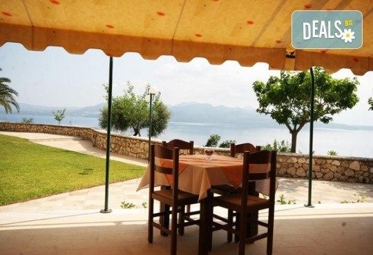 Почивка през лятото на остров Лефкада, Гърция! 5 нощувки със закуски в Hotel Sunrise 2*, транспорт и екскурзовод - Снимка 6