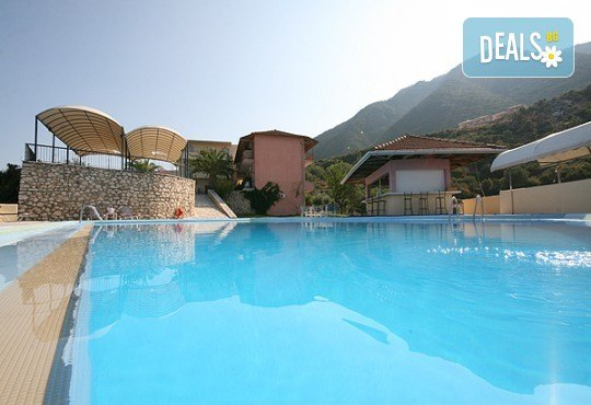 Почивка през лятото на остров Лефкада, Гърция! 5 нощувки със закуски в Hotel Sunrise 2*, транспорт и екскурзовод - Снимка 8