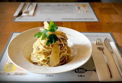 За обяд или вечеря! Салата или апетитно основно ястие по Ваш избор от Spaghetti Company! - Снимка