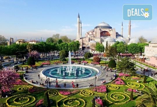 На фестивала на лалето в Истанбул през април! 2 нощувки със закуски, транспорт, екскурзовод и посещение на Одрин - Снимка 1