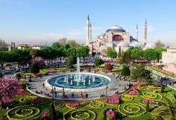 На фестивала на лалето в Истанбул през април! 2 нощувки със закуски, транспорт, екскурзовод и посещение на Одрин - Снимка