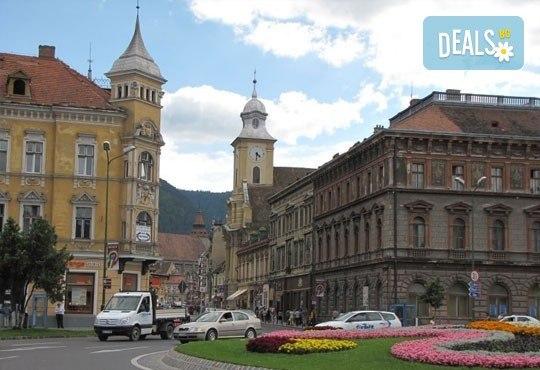 За 3- ти март екскурзия до Румъния, страната на граф Дракула, с Караджъ Турс! 2 нощувки със закуски, транспорт и програма! - Снимка 5
