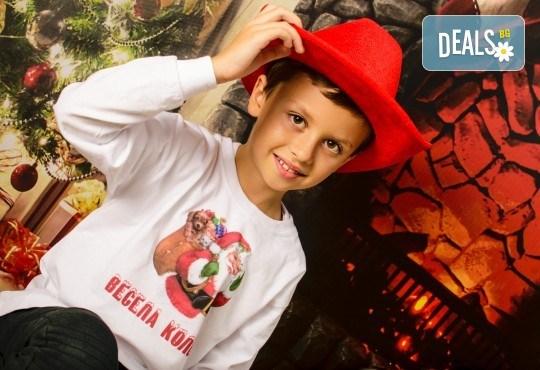 Професионална студийна фотосесия за деца с 20 обработени кадъра от Pandzherov Photography! - Снимка 3
