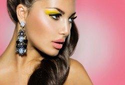 Подчертайте женствеността си! Пробиване на уши + медицински обеци на Studex в различни цветове и форми от студио Вая! - Снимка