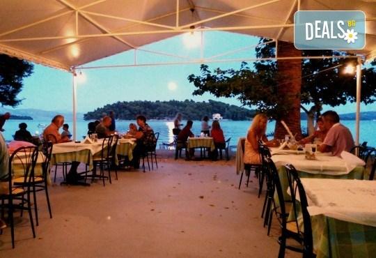 Великден на приказно красивия остров Лефкада! 3 нощувки със закуски в Avra Beach 3*, Нидри, транспорт и екскурзовод - Снимка 9