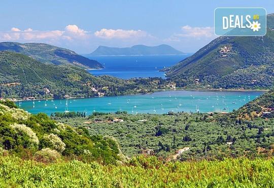 Великден на приказно красивия остров Лефкада! 3 нощувки със закуски в Avra Beach 3*, Нидри, транспорт и екскурзовод - Снимка 5