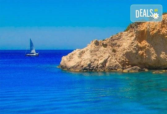 Великден на приказно красивия остров Лефкада! 3 нощувки със закуски в Avra Beach 3*, Нидри, транспорт и екскурзовод - Снимка 1