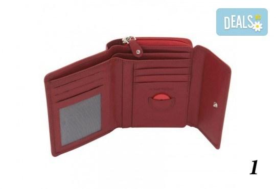Дамско портмоне от естествена кожа с RFID защита за безконтактни кредитни карти на Friedrich - Снимка 1