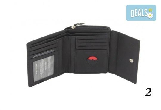 Дамско портмоне от естествена кожа с RFID защита за безконтактни кредитни карти на Friedrich - Снимка 5