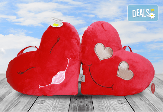 Изненадайте своята половинка на празника! Подарете плюшена възглавничка сърце или калинка и ефектен фолио балон с хелий, от Парти магазин Рая! - Снимка 1
