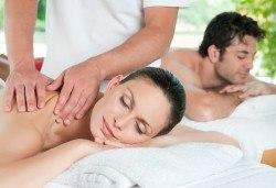 Синхронен масаж за двама с камъни от хималайска сол (сърца или кръгли), 30 минути релакс в хималайска стая и инхалации в Senses Massage & Recreation! - Снимка
