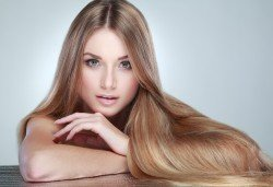 Красива коса! Арганова или кератинова терапия и оформяне на прическа със сешоар в студио за красота Jessica! - Снимка