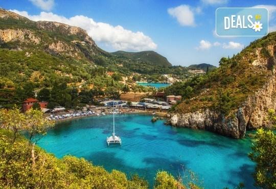 Великден на остров Корфу, Гърция! 3 нощувки със закуски, вечери и празничен Великденски обяд, транспорт и водач от BG Holiday Club! - Снимка 2