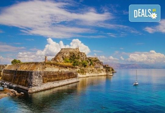 Великден на остров Корфу, Гърция! 3 нощувки със закуски, вечери и празничен Великденски обяд, транспорт и водач от BG Holiday Club! - Снимка 3