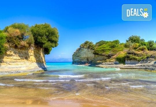 Великден на остров Корфу, Гърция! 3 нощувки със закуски, вечери и празничен Великденски обяд, транспорт и водач от BG Holiday Club! - Снимка 4