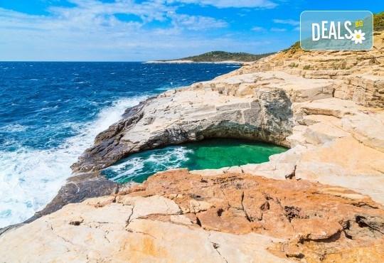 За Великден на остров Тасос, Гърция! 3 нощувки със закуски, вечери и празничен Великденски обяд в Ellas Hotel, транспорт и разходка в Кавала - Снимка 9